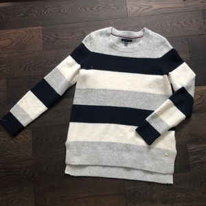Tommy Hilfiger stripped sweater